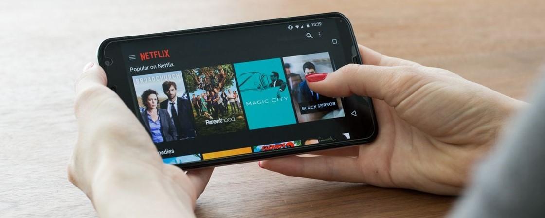 Como assistir filmes e séries grátis pelo celular