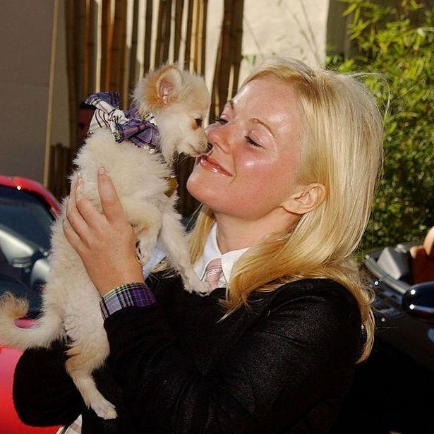 Geri Horner, das Spice Girls, sofre com a morte de seu cachorro de 18 anos