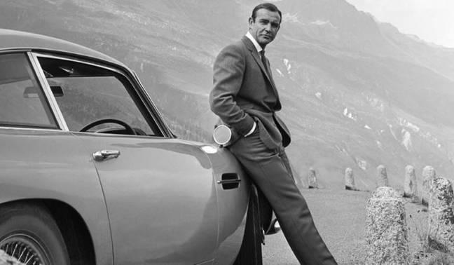 O YouTube está transmitindo 19 filmes de James Bond gratuitamente