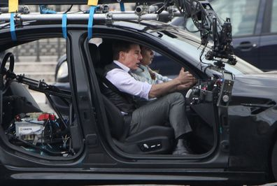 Tom Cruise fica furioso com equipe de missão impossível por quebrar as regras de Covid