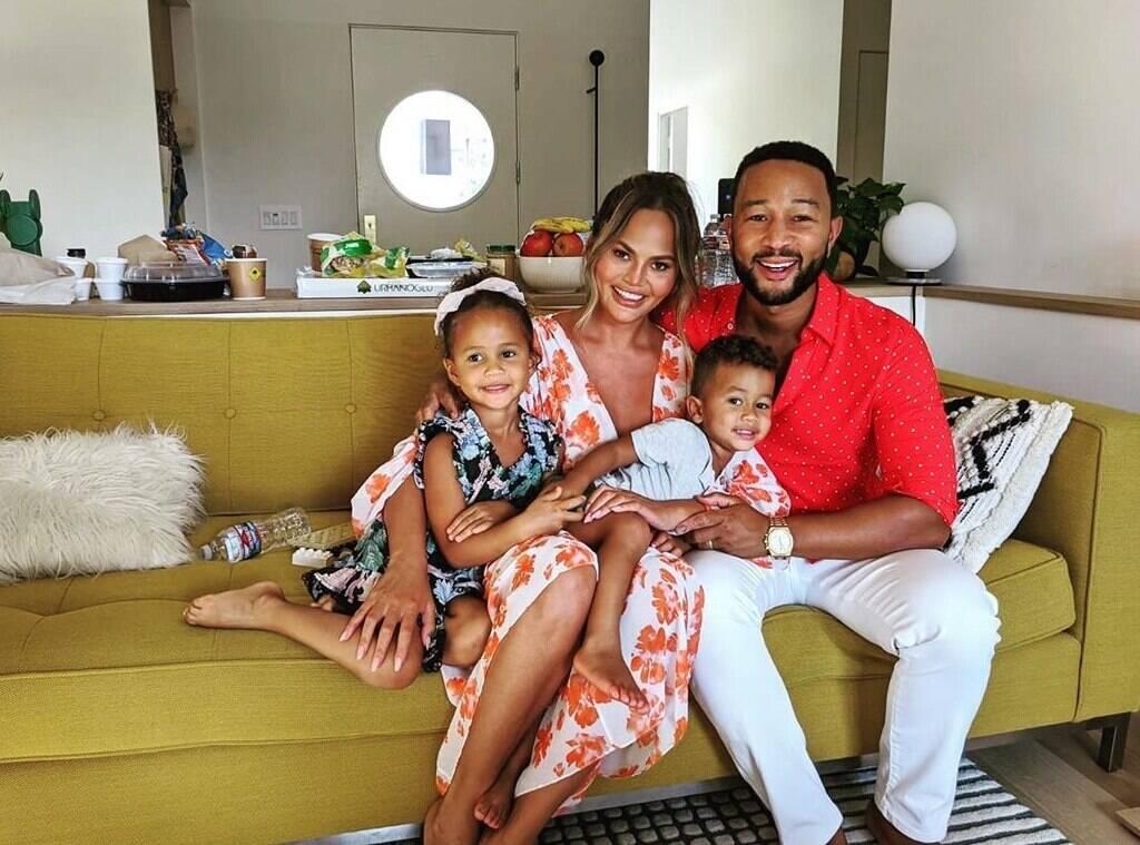 Chrissy Teigen e John Legend perdem bebê após parto - E! Online Brasil