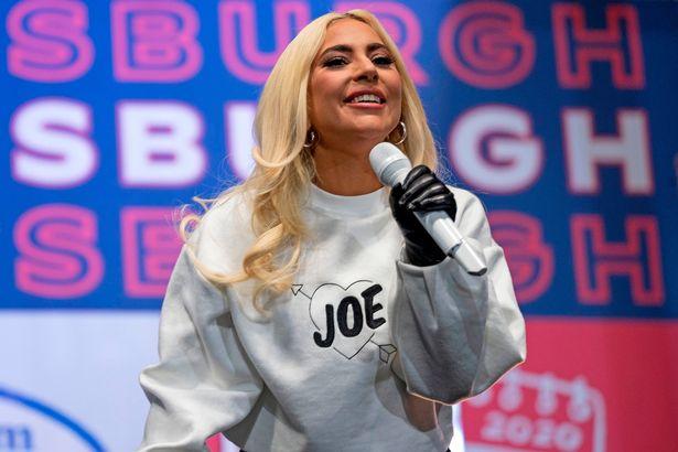 """Lady Gaga reza para que a posse de Joe Biden """"seja um dia de paz"""""""